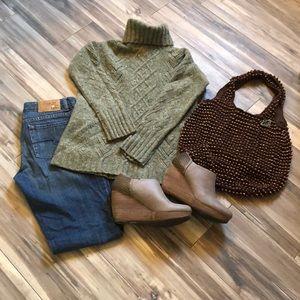 Women's GAP XS/S Green Turtleneck Sweater